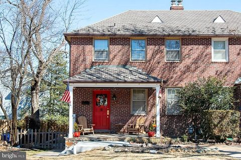 Photo of 4 B N Beaumont Ave, Catonsville, MD 21228