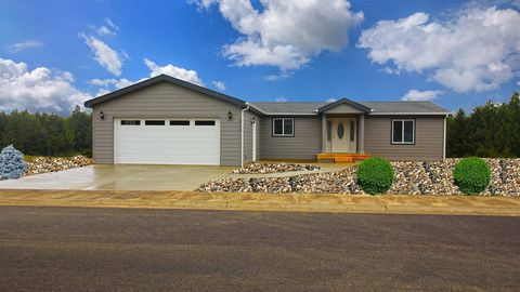 Photo of 2130 Green Ln, Waldport, OR 97394
