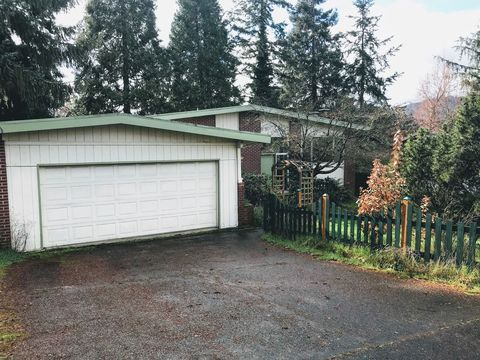 Photo of 1180 E 37th Ave, Eugene, OR 97405