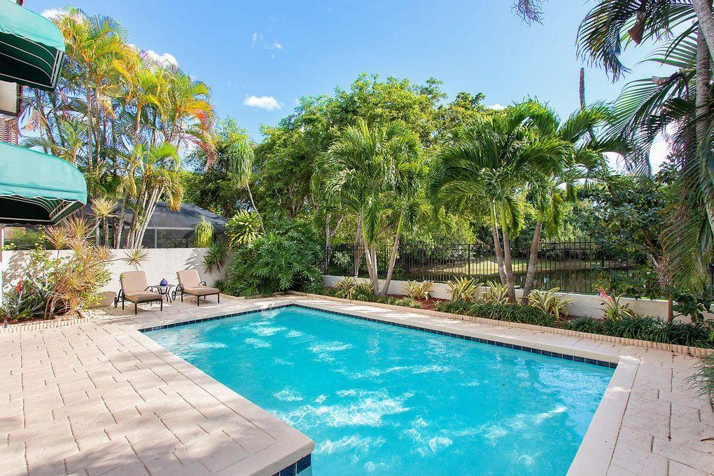 21718 Club Villa Ter, Boca Raton, FL 33433