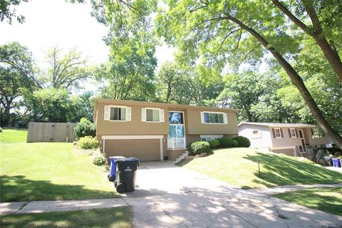 Homes For Sale near Pierce Elementary School - Cedar Rapids, IA Real