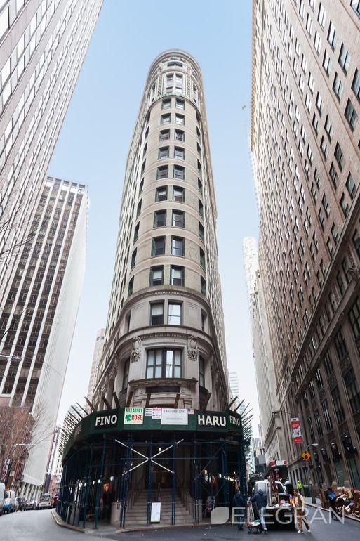 82 Wall Street Ct Unit 1508, New York, NY 10005