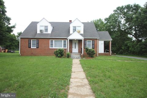 6405 Horseshoe Rd, Clinton, MD 20735