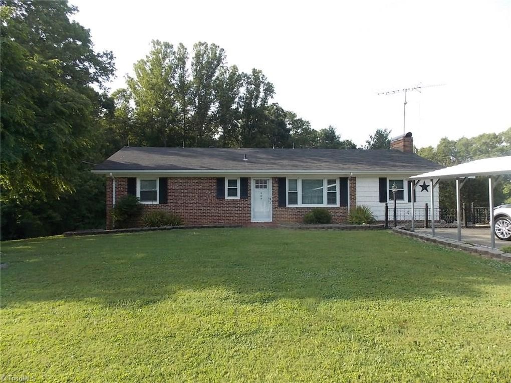 149 Sherwood Dr Mount Airy, NC 27030