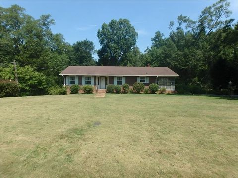 1 Lindsey Ln, Due West, SC 29639