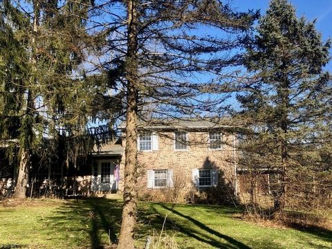 Photo of 13419 Sperry Rd, Chesterland, OH 44026