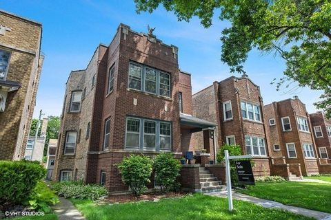 Photo of 4427 N Lavergne Ave, Chicago, IL 60630
