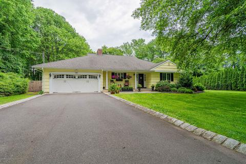 32 Manson Pl, Little Silver, NJ 07739