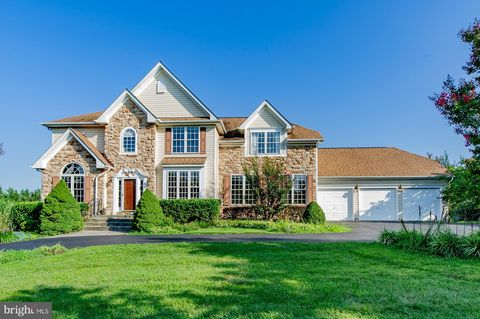 Photo of 3255 Fox Valley Dr, West Friendship, MD 21794