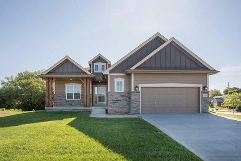 Photo of 1799 Blackthorn St, Council Bluffs, IA 51503