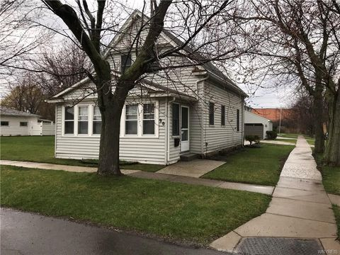Photo of 90 Crandon Blvd, Cheektowaga, NY 14225