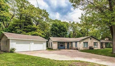 Magnificent Waterfront Homes For Sale In Port Huron Mi Realtor Com Download Free Architecture Designs Salvmadebymaigaardcom