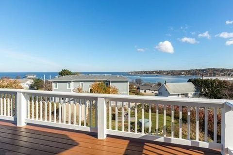 Photo of 5 Dune Ln, Gloucester, MA 01930