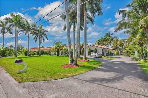 Photo of 10144 Nw 137th St, Hialeah Gardens, FL 33018