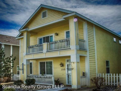 Photo of 215 Brenham Ave, Reno, NV 89509