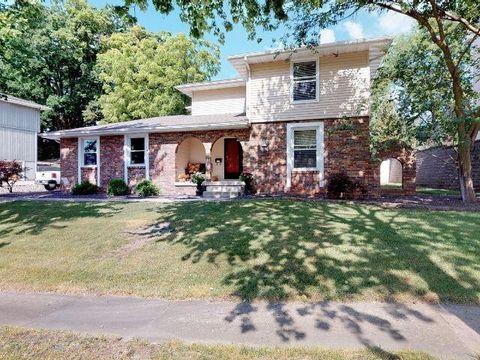 Awesome Decatur Il 4 Bedroom Homes For Sale Realtor Com Home Interior And Landscaping Ponolsignezvosmurscom