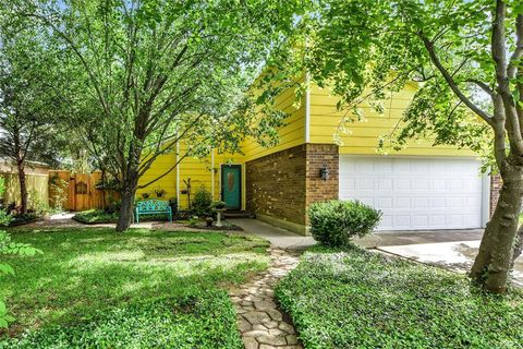 Photo of 1816 Tickner St, Conroe, TX 77301