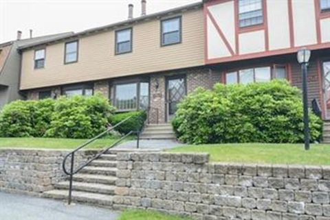 Photo of D31 Scotty Hollow Dr Unit D31, Chelmsford, MA 01863