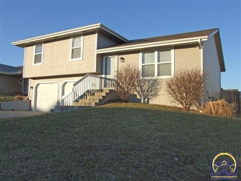 1717 Sw Valley View Ct, Topeka, KS 66615