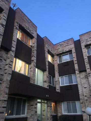Photo of 8651 W Foster Ave Apt 2 B, Chicago, IL 60656