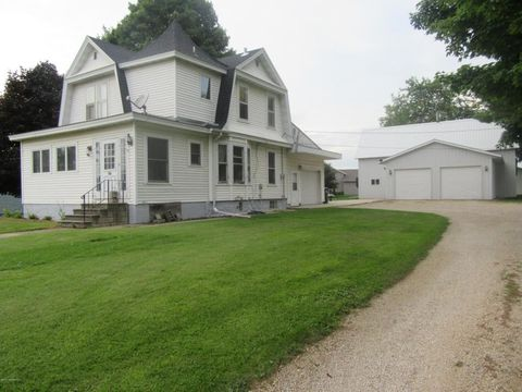 129 W Tracy Rd, Spring Valley, MN 55975
