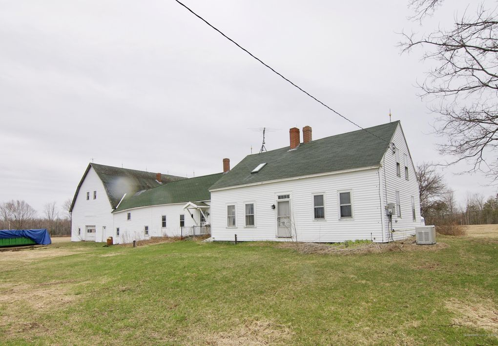 1004 Level Hill Rd, Palermo, ME 04354
