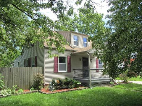 135 Beebe Ave, Elyria, OH 44035