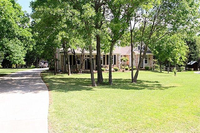 4400 Oak Shores Cir, Crossroads, TX 76227