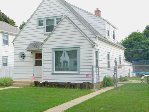 Pleasing Milwaukee Wi Multi Family Homes For Sale Real Estate Beutiful Home Inspiration Cosmmahrainfo
