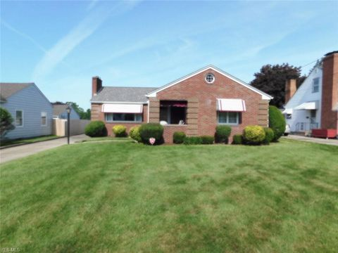 Photo of 556 S Schenley Ave, Youngstown, OH 44509