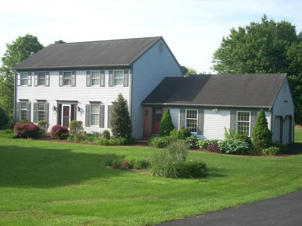 120 Stable Dr Lancaster, PA 17603