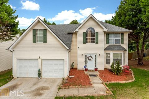 11048 Pebble Ridge Dr, Hampton, GA 30228