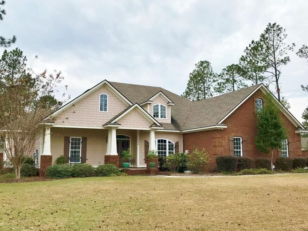 7323 Mill Ridge Dr, Hahira, GA 31632