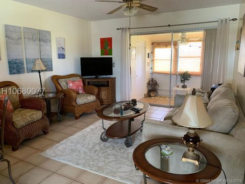 Photo of 2569 Dudley Dr W Apt G, West Palm Beach, FL 33415