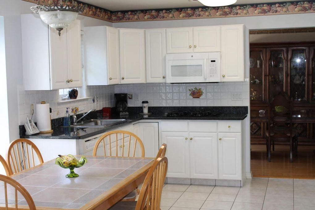 80 Foxwood Rd Lakewood NJ 08701