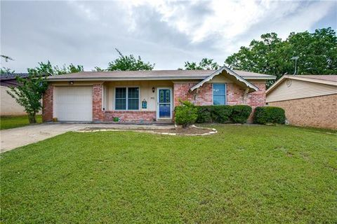 Photo of 1812 S Travis Ave, Denison, TX 75021