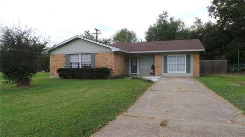 828 Edgewood St Wolfe City TX 75496