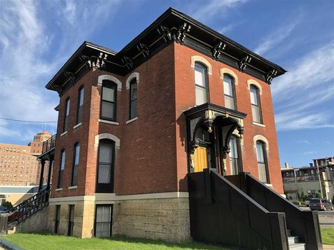 Photo of 129 N 2nd St # 6, Rockford, IL 61107