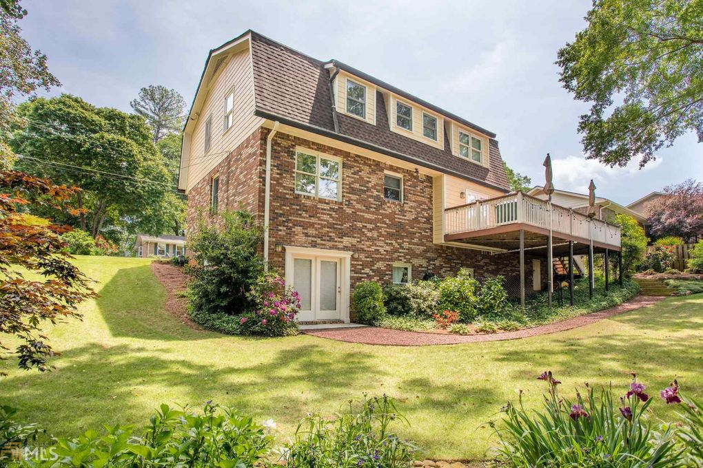 1514 Country Squire Ct, Decatur, GA 30033