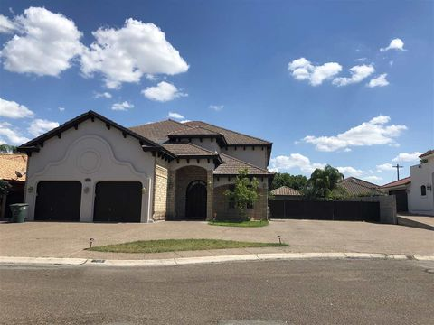 Photo of 303 Lake Como Rd, Laredo, TX 78041