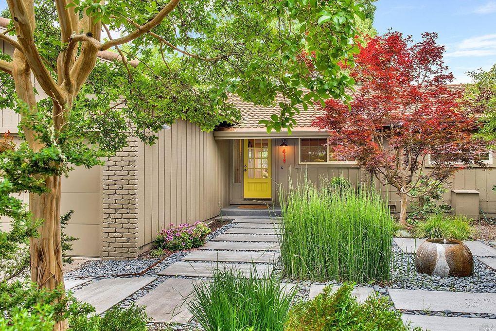419 Poppy Hill Dr, Healdsburg, CA 95448