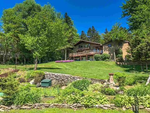Photo of 26 Mountainview Loop, Dover, VT 05356