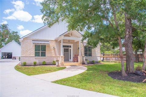 Photo of 3028 W Pin Oak Ln, Caldwell, TX 77836
