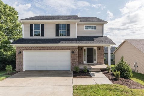 Photo of 1121 Orchard Dr, Nicholasville, KY 40356