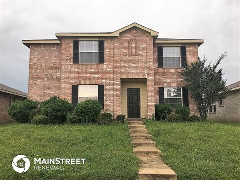 Photo of 2314 Midbury Dr, Lancaster, TX 75134