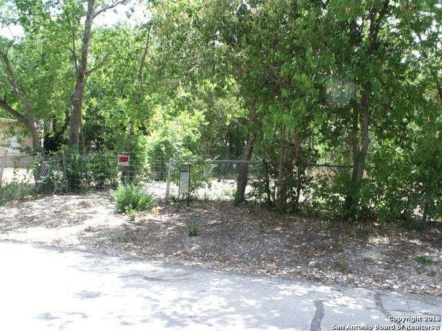 1514 Ash St, Floresville, TX 78208