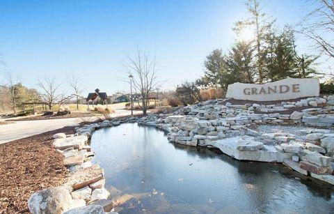 Photo of 5198 Grande View Ln Unit 25, Jackson, MI 49201