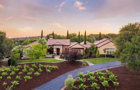 Photo of 11137 Vista Del Sol, Auburn, CA 95603