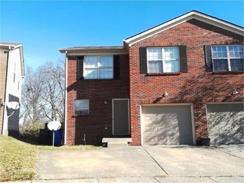 Photo of 625 Big Bear Ln, Lexington, KY 40517