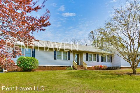 Photo of 410 Stonehaven Dr, Anderson, SC 29625
